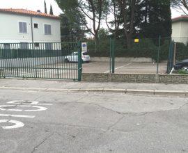 SESTO FIORENTINO - Pressi campo sportivo, posti auto di varie metrature.
