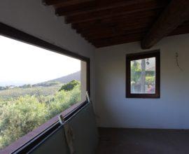 CALENZANO - Baroncoli ex fienile ristrutturato con terreno annesso.