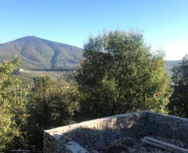 CALENZANO - Carraia, Vezzano porzione di colonica con giardino.