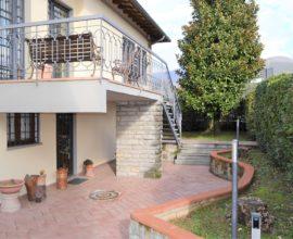 SESTO FIORENTINO-Ragnaia Villa libera su tre lati.