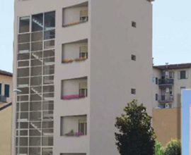 FIRENZE -Rifredi/Careggi appartamento 4  vani con giardino.