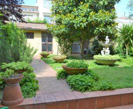SESTO FIORENTINO- Camporella terratetto con giardino e box auto.