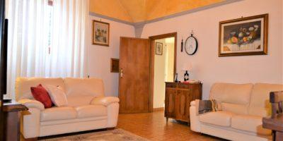 SESTO FIORENTINO- Colonnata appartamento di 4 vani.