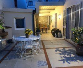 SESTO FIORENTINO - Piazza San Francesco appartamento 5 vani in villa bifamiliare.