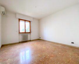 SESTO FIORENTINO -Quinto Basso appartamento di 4 vani.