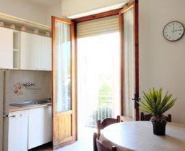 CALENZANO -Appartamento 4 vani in palazzina bifamiliare.
