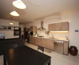 CALENZANO- Appartamento 3,5 vani con cantina.