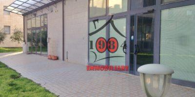 CALENZANO-Ufficio commerciale in affitto.